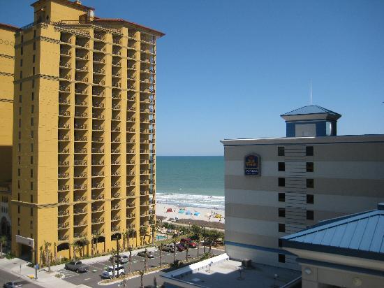 Carolina Grande: View toward ocean