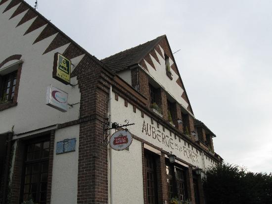 Hazebrouck, ฝรั่งเศส: Exterior of hotel