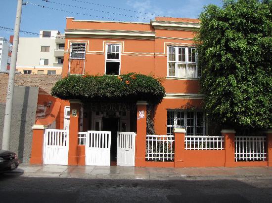 Casa De Huespedes Porta: Hello...It's Hostal Porta