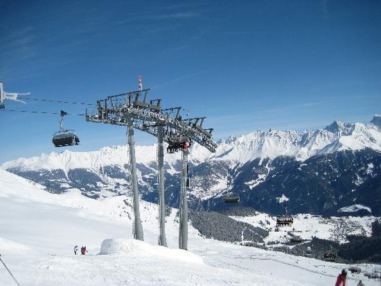 Hotel Löwen: Skiing in Serfaus