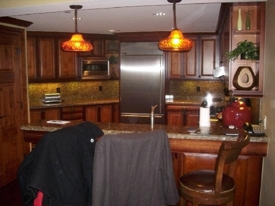 The Residences at Park Hyatt Beaver Creek: Kitchen in unit