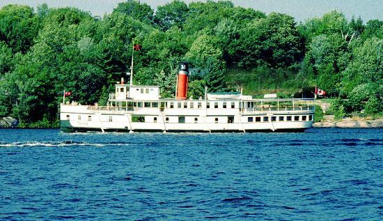 Muskoka Steamships: Segwun departing Gravenhurst