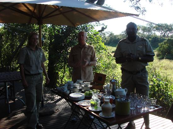 andBeyond Ngala Tented Camp: Breakfast in the bush