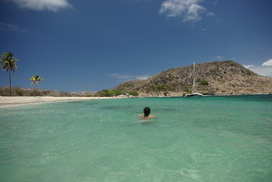 Basseterre, Saint Kitts: Swimming at Cockleshell Beach