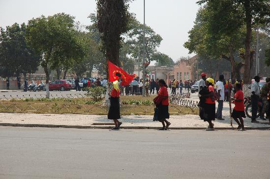 Huambo, แองโกลา: Marchers on the national holiday to remember heros of the republic.