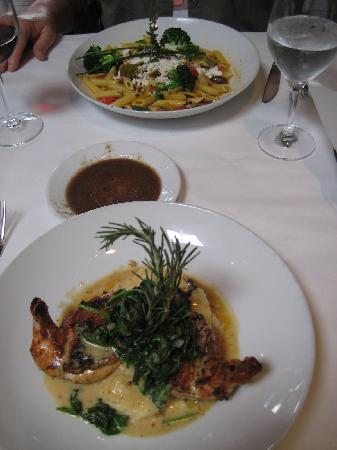 Citrus City Grille: Our main courses, vegertarian pasta and crusted chicken.