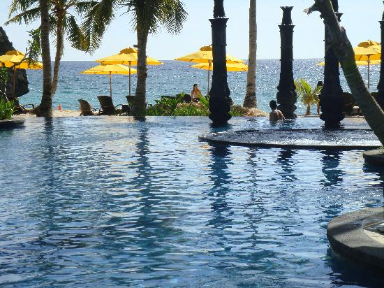Shangri-La's Boracay Resort & Spa: poolview