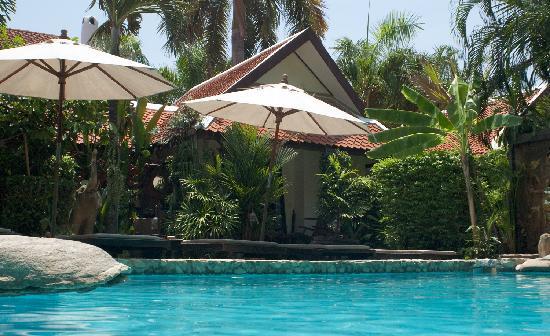 Le Prive Pattaya: Piscine