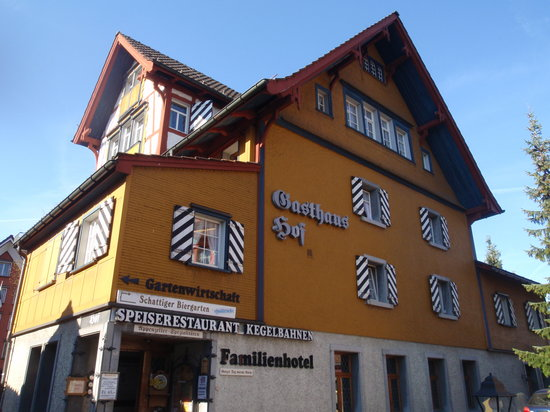Appenzell, İsviçre: Main building with restaurant