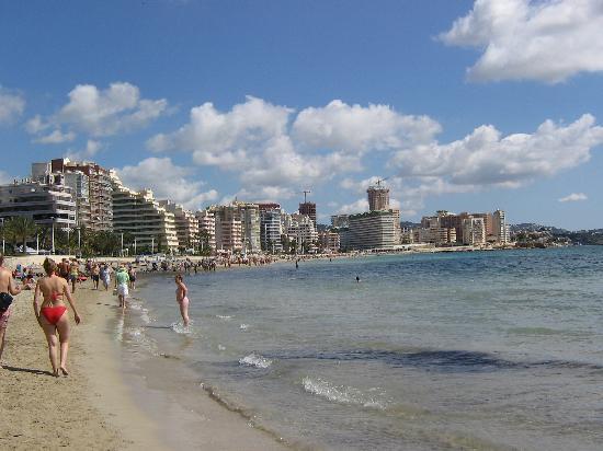 AR Roca Esmeralda & SPA Hotel : Playa muy hermosa y limpia