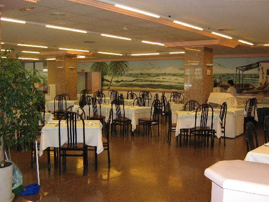 AR Roca Esmeralda & SPA Hotel : Entrada al gran comedor