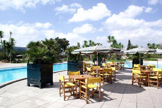 Sheraton Addis, a Luxury Collection Hotel: Pool Area