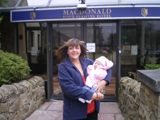 Strathspey Hotel at Macdonald Aviemore Resort: IT'S WINDY OUTSIDE