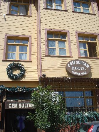 Cem Sultan Hotel: Front view