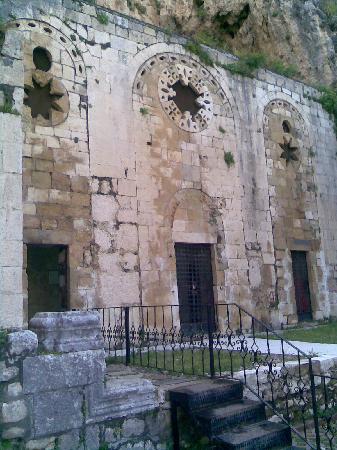St Pierre Kilisesi: St. Pierre Church Front Wall
