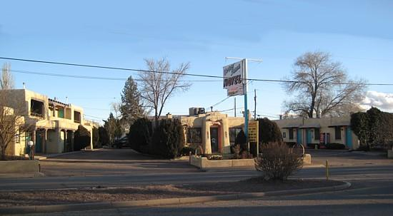 Western Scene Motel: View from street