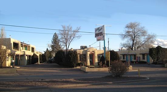 Western Scene Motel: View from street