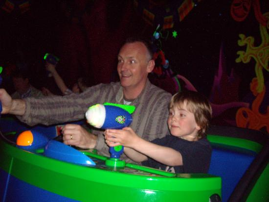 Adagio Aparthotel Val d'Europe : Dad and Son take on Zorg!