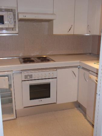 Sercotel Apartamentos Eurobuilding 2: cocina