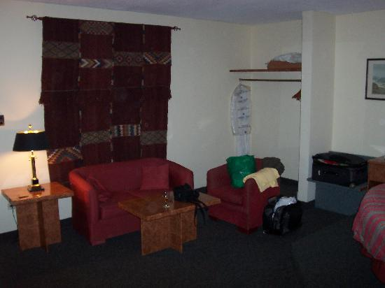 Kings' Way Hotel: Double room sitting area