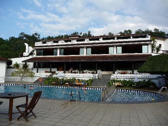 Cinnamon Citadel Kandy: piscine