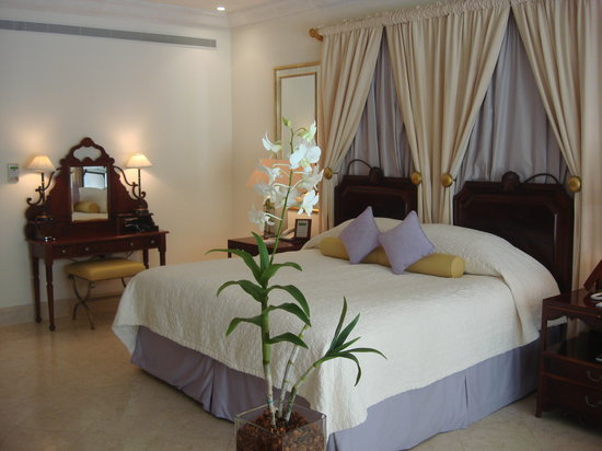 Sandy Lane Hotel: room