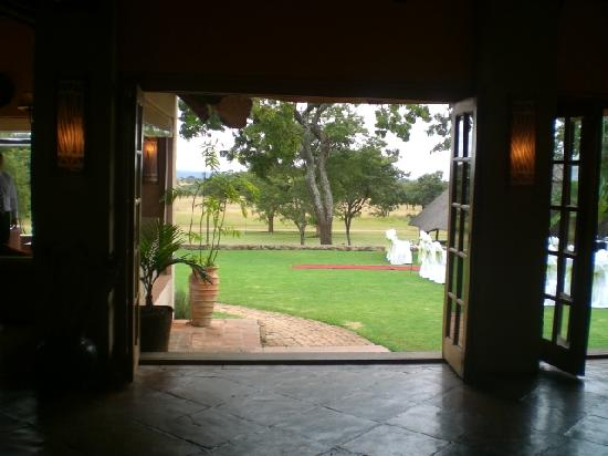 Wild Geese Lodge: Looking out from restaurant