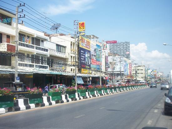 พุทธรักษา รีสอร์ท: Hua Hin Main Street