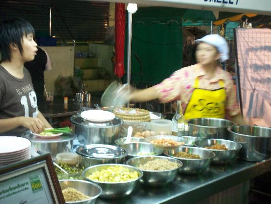 พุทธรักษา รีสอร์ท: Night Market