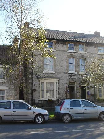 Eleven Westgate : front of the b&b