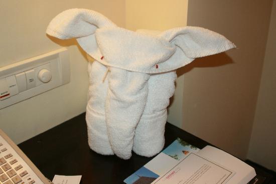 "The Gateway Hotel Marine Drive Ernakulam: ""towel ellie"" made by room staff"