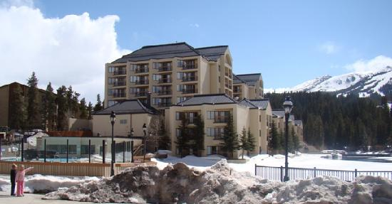Marriott's Mountain Valley Lodge at Breckenridge: View from the plaza