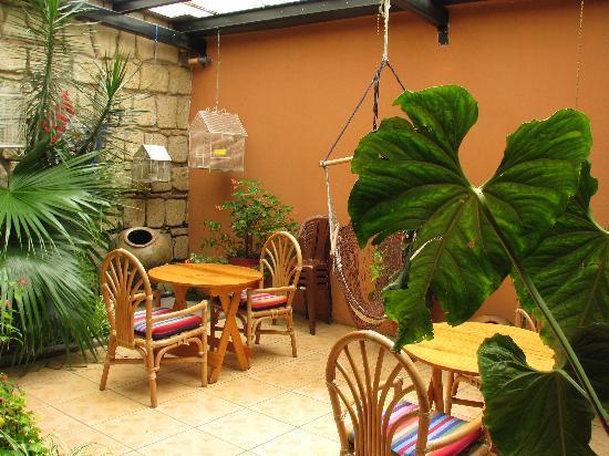 Casa Dona Mercedes: Dining in the atrium