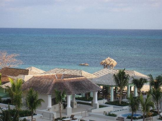 Iberostar Grand Hotel Rose Hall: Fisherman on the reef