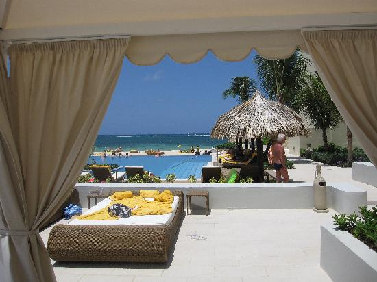 Iberostar Grand Hotel Rose Hall: View from pool cabana