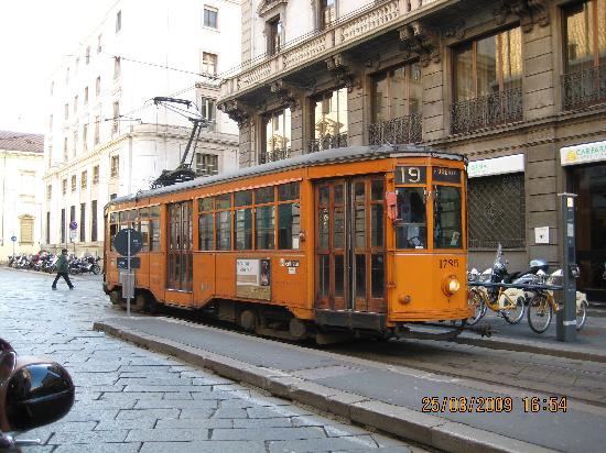 Johnny Hotel: vieux tramway