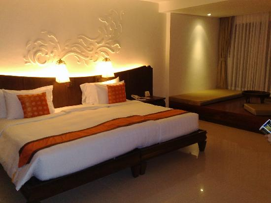 Patong Paragon Resort & Spa: big room