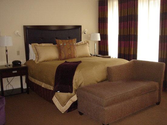Alluvian Hotel