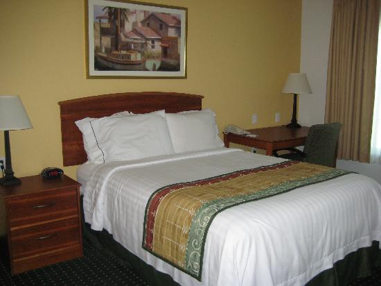 TownePlace Suites Boca Raton: Bedroom 1