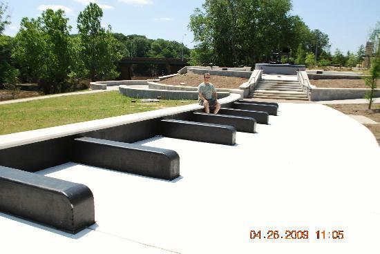 Ray Charles Plaza: Piano Keys Sitting Area