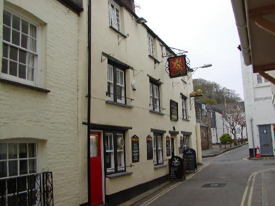 Golden Lion Inn: The pub