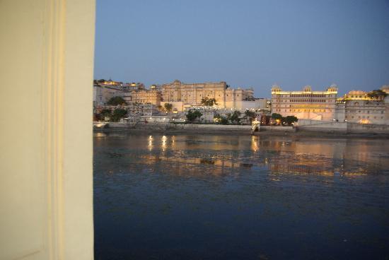 Taj Lake Palace Udaipur: View At Dusk From Pool