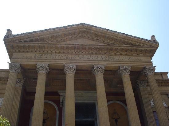 Teatro Massimo - pronao