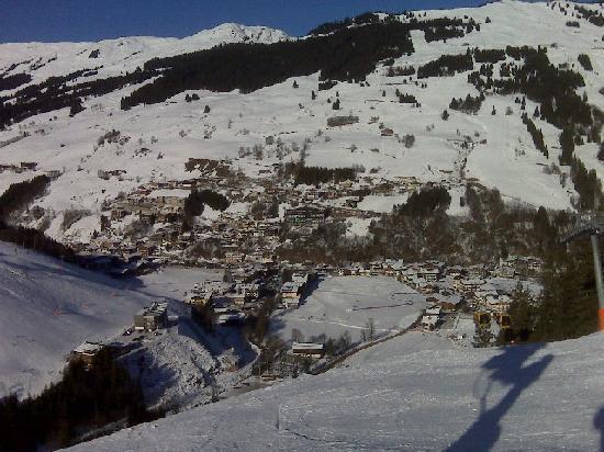 Landhaus Riedlsperger: Hinterglemm village