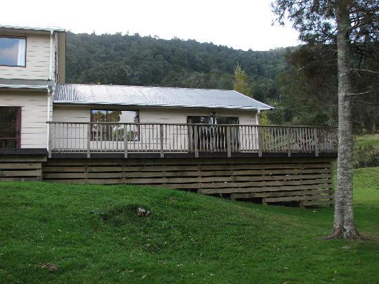 Sherrington Grange : Duncan Room Entrance/Deck