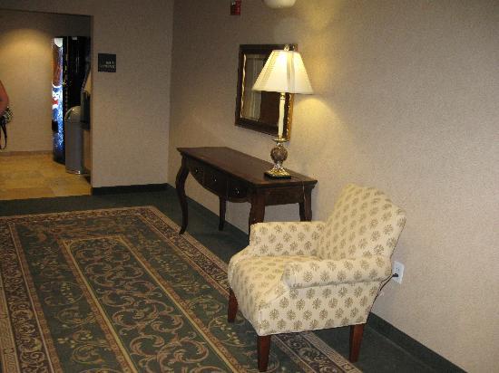 Hampton Inn Dunn: sitting area