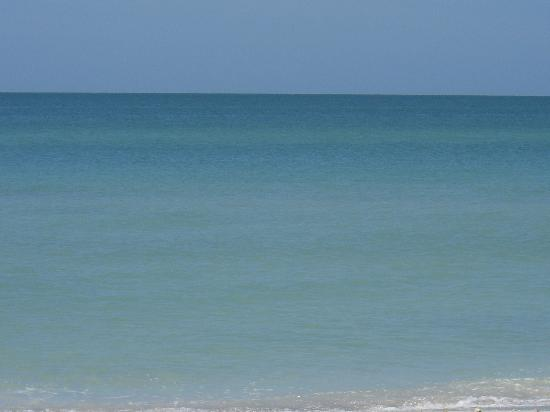 Sandpiper Inn: Serenity, beach!