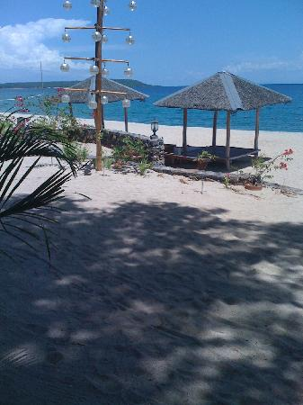 Balai Resort Anilao: the beach