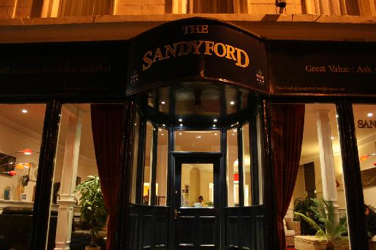 The Sandyford Hotel: Hotel Entrance by Night