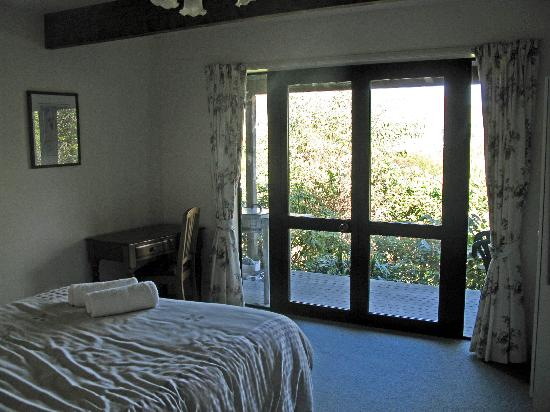 Akaroa Cottages - Heritage Boutique Collection: downstairs bedroom